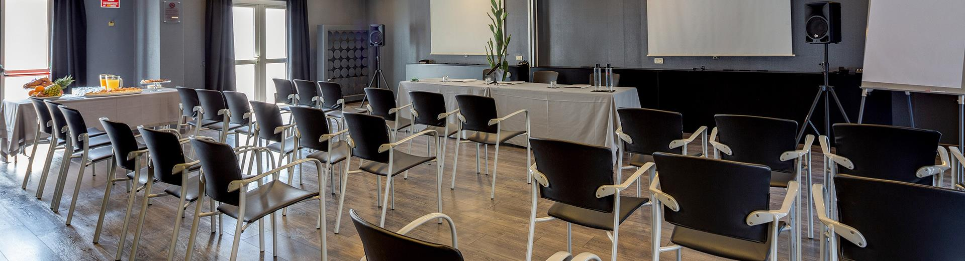 Organize your meeting in Vicenza in the modern rooms of BW Hotel Aries